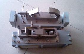 压滤机自动拉板小车