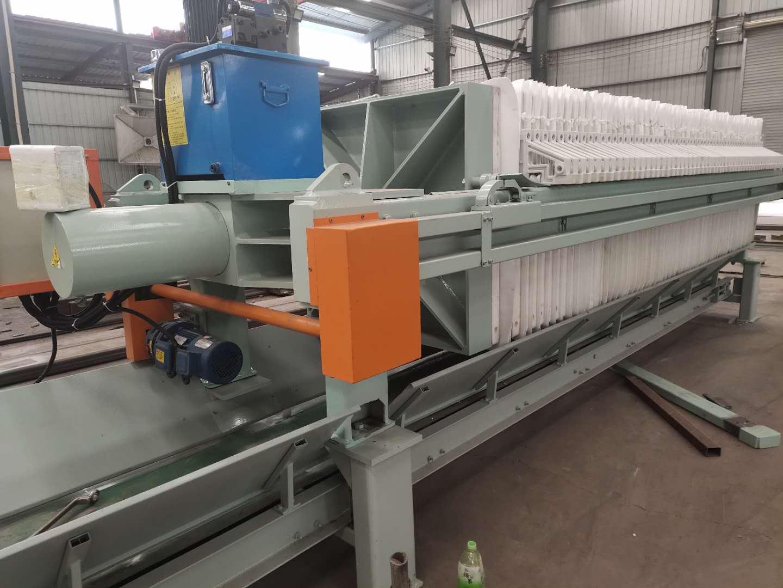 1000型自动拉板厢式压滤机